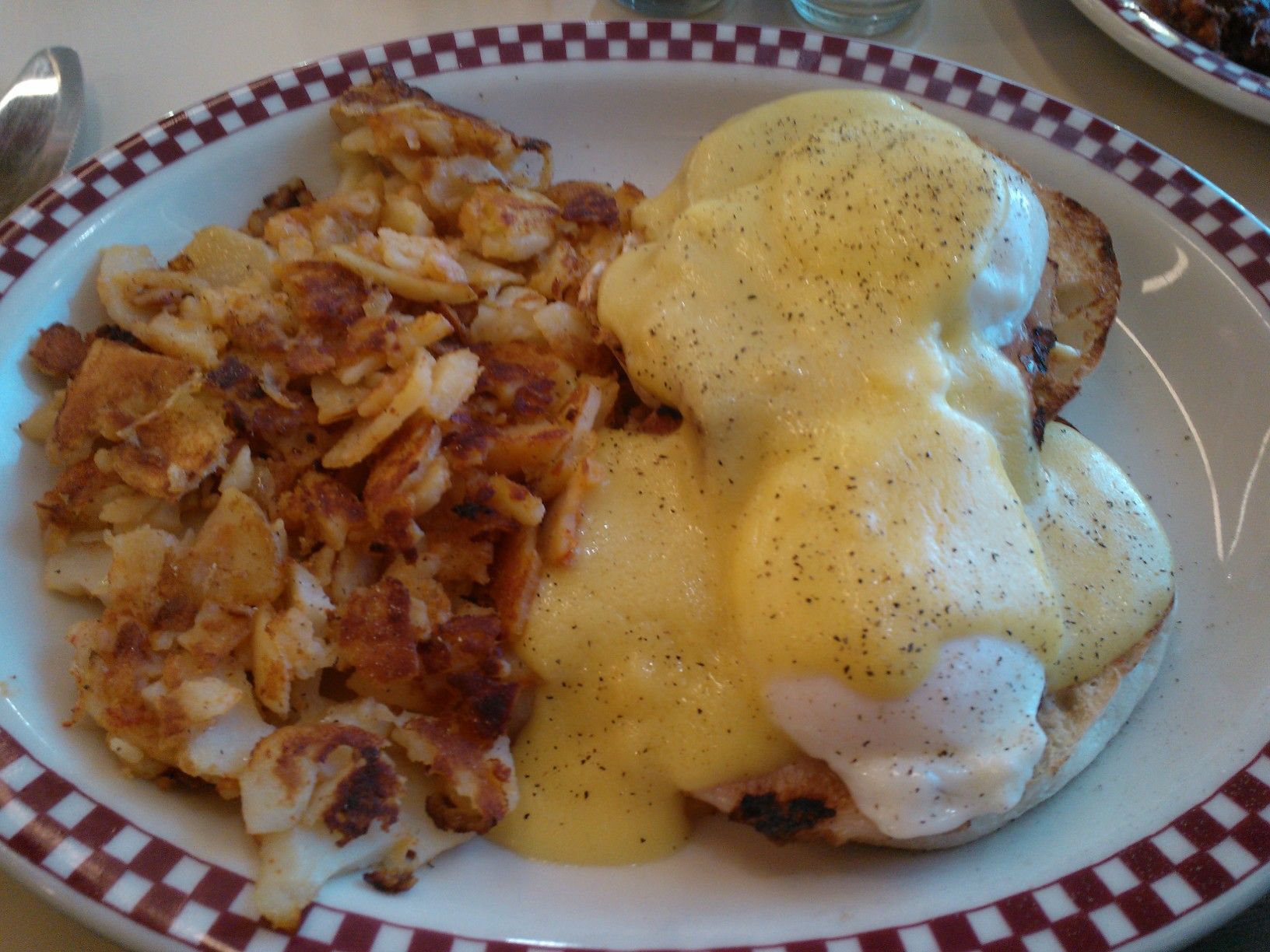 Thumbnail image for eggs-benedict2.jpg