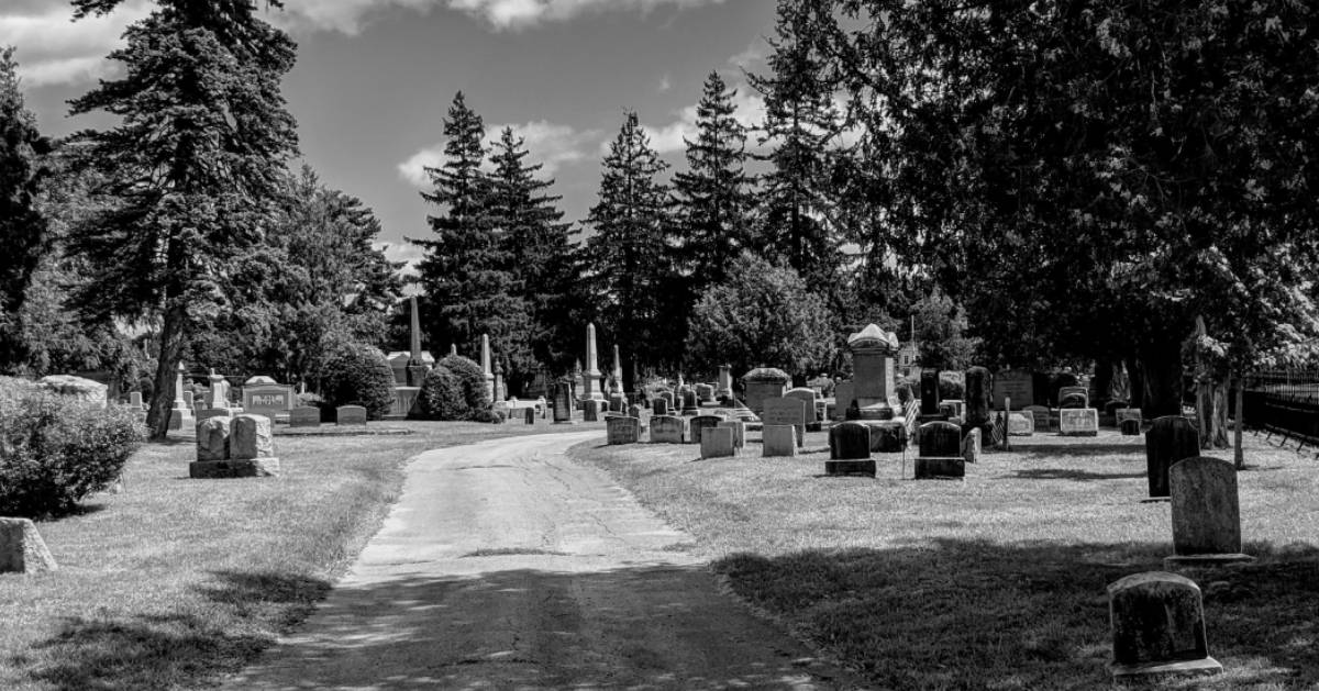 black and white photo of Glens Falls Cemetery
