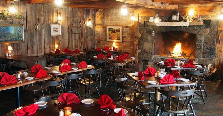 anvil inn restaurant and bar area