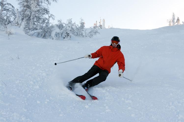 downhill skiier
