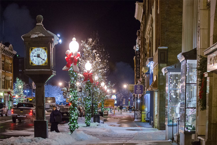 glens falls downtown in winter