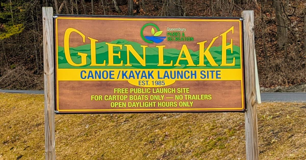 Glen Lake canoe and kayak launch sign