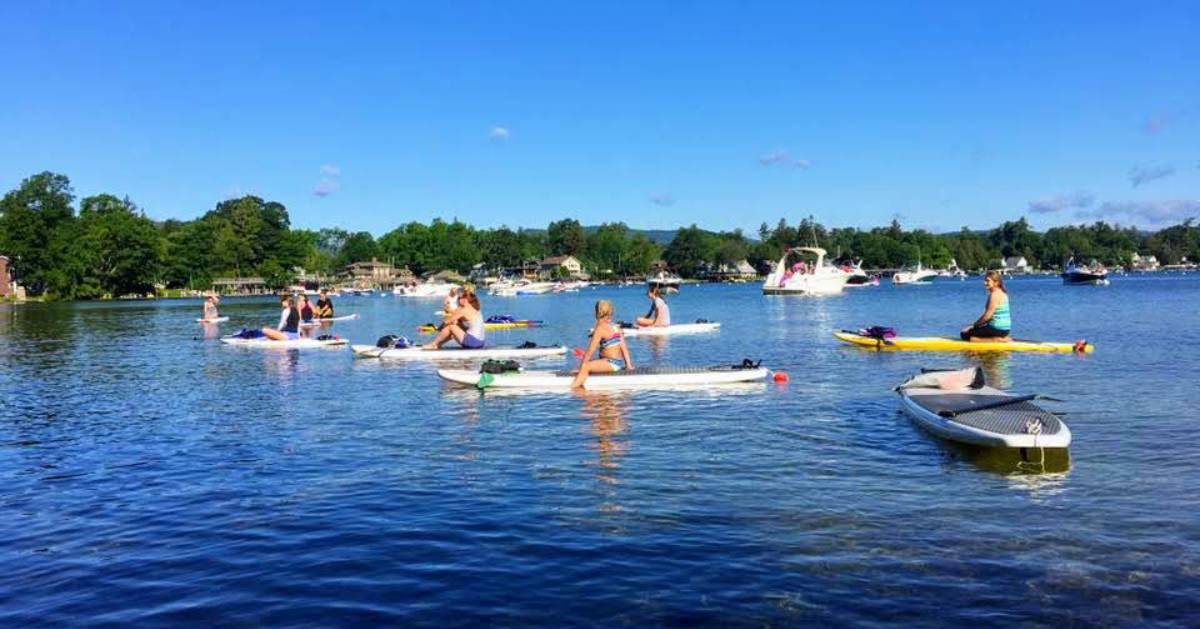 SUP paddlers on water