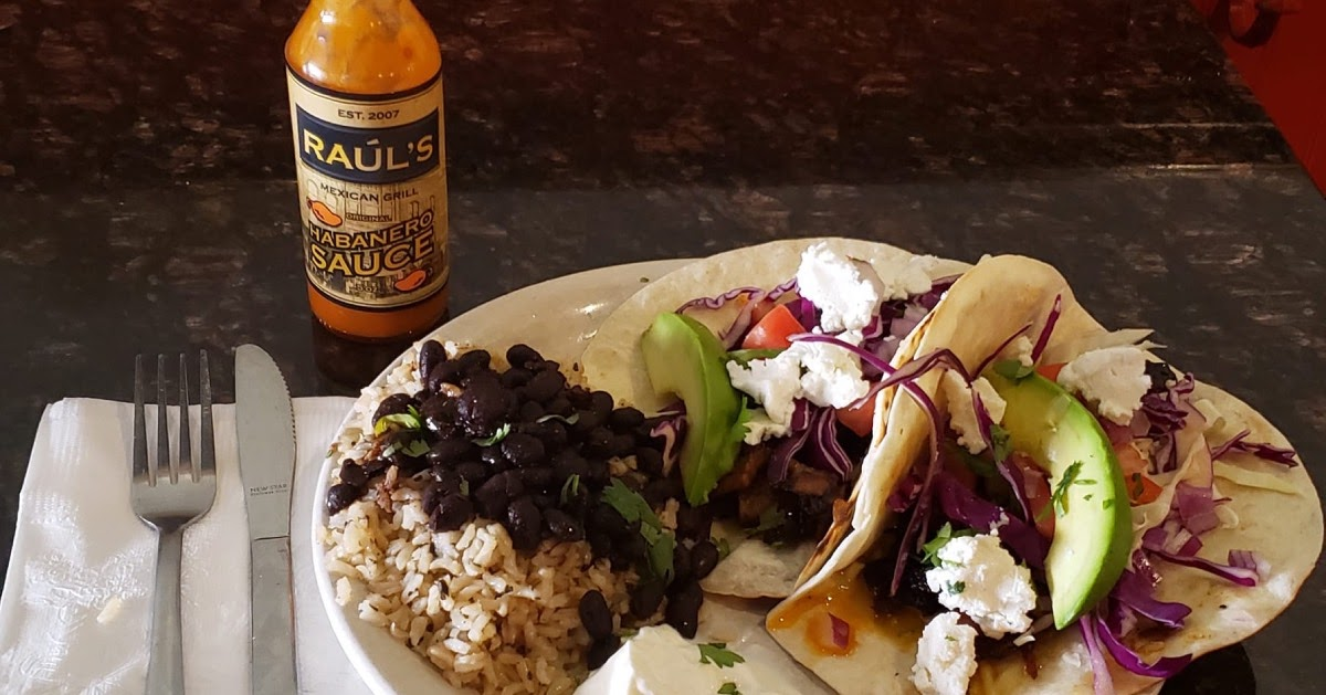 tacos and hot sauce