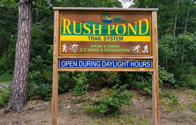 sign at trailhead for Rush Pond Trail