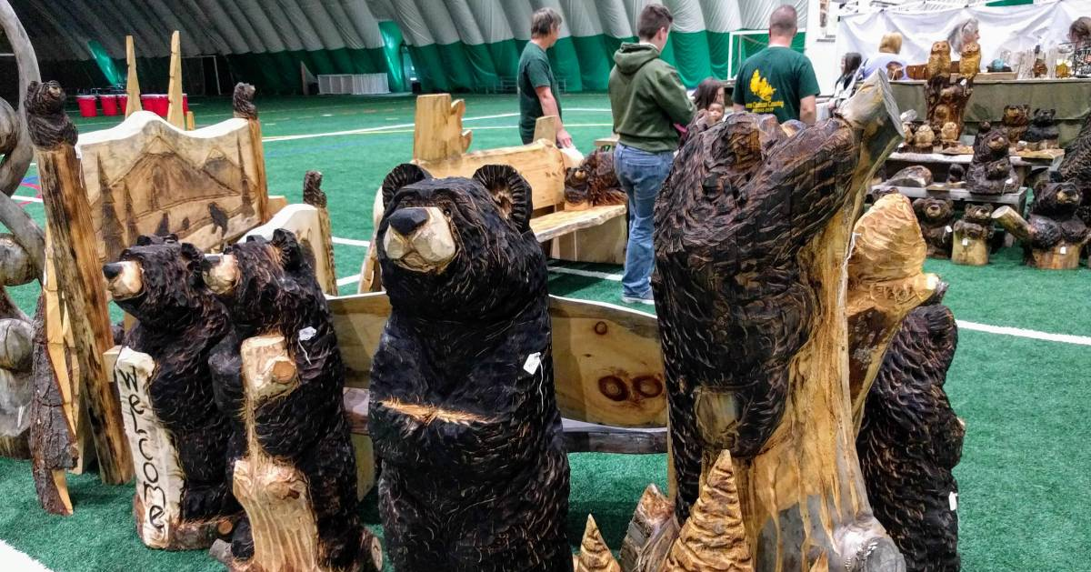 wood carving bears at festival