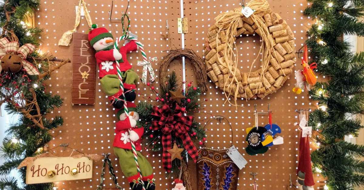 Christmas crafts/decorations display