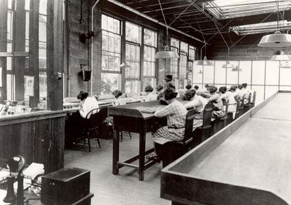radium-dial-painters.jpg