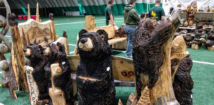 wood carvings of bears