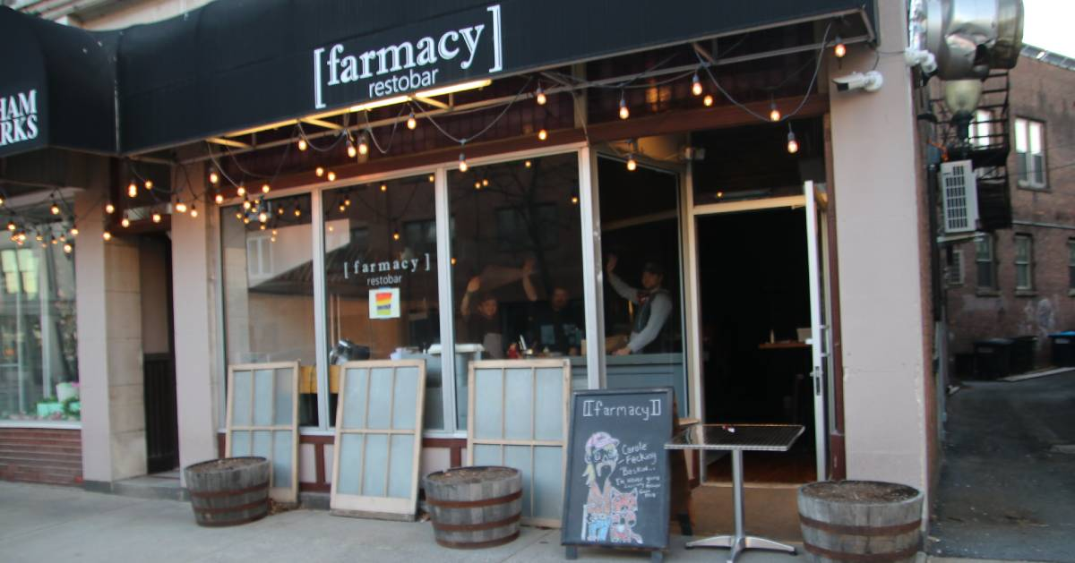 outside of farmacy