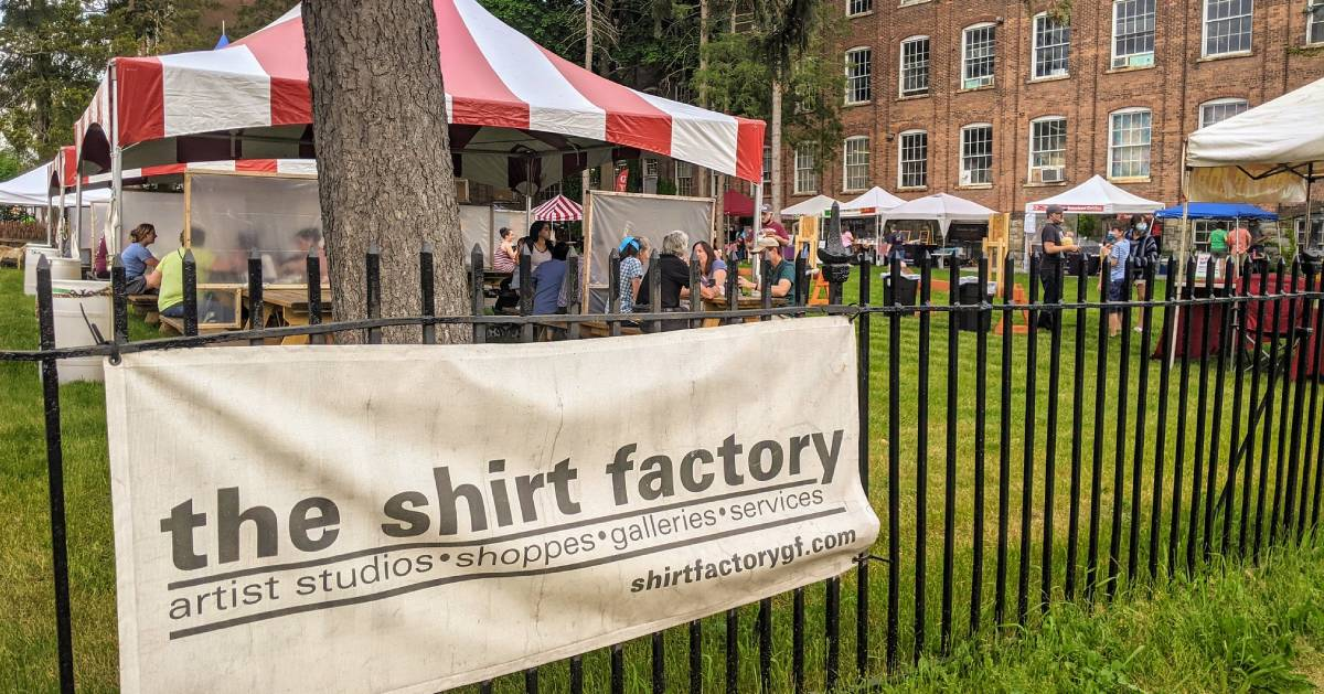 The Shirt Factory sign